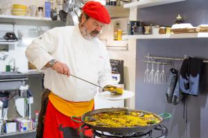 FAB-gallery - Piño Moureau - Paella Dinner